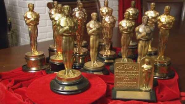 Subastan quince Oscar
