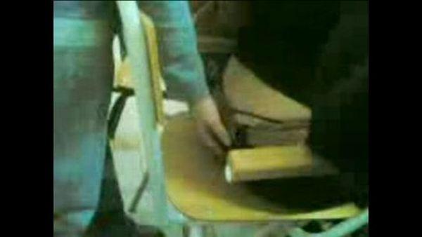 Tocando nalgas en la escuela - 2 part 8