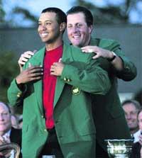 Tiger Woods vuelve a lo más alto desde Augusta
