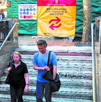 Cortan el tráfico de bajada en La Rambla por las obras del metro