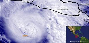 Imagen tomada por un satélite del huracán Adrián