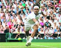 Federer logra su tercer Wimbledon consecutivo