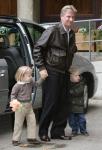 El príncipe Felipe con sus hijos Gabriel y Elizabeth