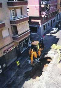 Continuas inundaciones y hundimientos por una alcantarilla en Badalona