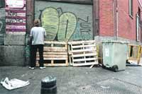 Pintadas y carteles ilegales se comen casi seis millones al año