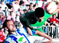 El Málaga RESUCITA con una goleada