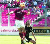 El Real Murcia GOLEA y ya es líder de Segunda