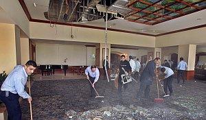 Labores de limpieza en uno de los hoteles de la capital jordana (Reuters).