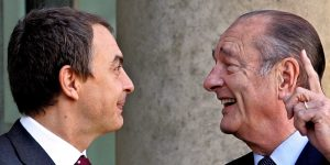 Zapatero charla con Chirac (EFE).