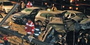 Estado de los coches tras el choque en cadena de Granada (EFE).