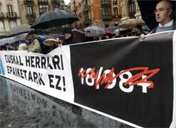 Protestas en Bilbao contra la celebración del macrojuicio al entorno de ETA