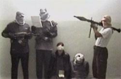 Imágenes del vídeo difundido por la televisión iraquí con la rehén alemana