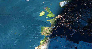 Imagen tomada desde la nave Columbia de una puesta de sol en Europa (NASA)