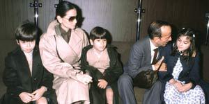Puga con sus nietos y su ex nuera, Isabel Preysler.
