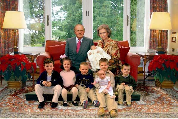 La casa real admite que la fotograf a de felicitaci n de for La casa del retal