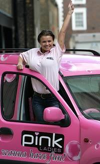 Taxis rosas, sólo para mujeres (Reuters)