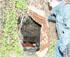 Indigentes viven en cuevas excavadas en Montjuïc