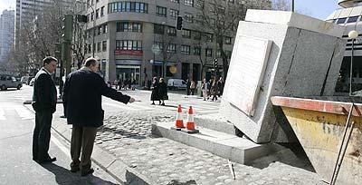 El pedestal, tras ser retirada la estatua (Jorge París).