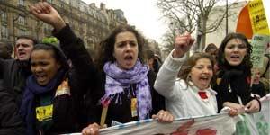 manifestacion paris contrato primer empleo