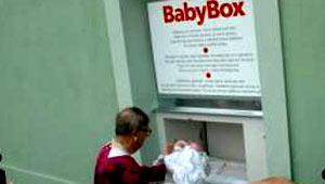 Un buzón para bebés en la República Checa.