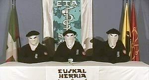 Imagen de la lectura del comunicado de alto el fuego permanente de ETA (EFE).