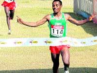 Bekele dice adiós al cross con su quinto doblete