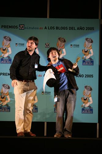 premios 20 blogs. El mejor blog de ha sido el blog de Gorka Limotxo, al que le ha entregado el galardón Nacho Escolar.
