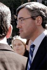 Acebes, a su llegada al Congreso Provincial de Nuevas Generaciones (Foto: Efe)