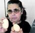 Una gallina pone en Calatorao un huevo del tamaño de un kiwi