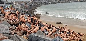 Tunick en San Sebastian (Pablo Sanchez/Reuters)