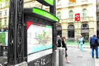 La estación de Liceu pierde con las obras las barandillas modernistas