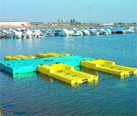 Las playas de Málaga tendrán plataformas flotantes a final de mes