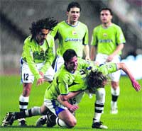 El Deportivo resiste en la batalla por Europa