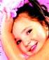 La niña de los pompones