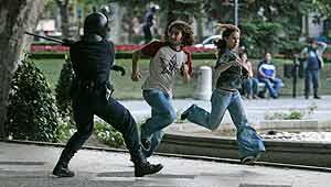 Carga policial concentración vivienda Madrid