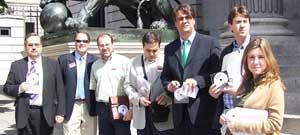 Representantes de la plataforma 'Todos contra el canon'