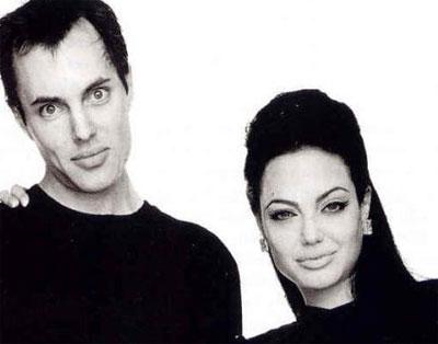 los tatuajes de angelina jolie. Angelina Jolie junto