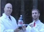 Captura de un vídeo del experimento Mentos - Coca Cola