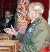 El general Pardo de Santayana, durante el acto en Segovia (Foto: Efe)