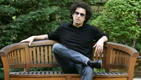Andrés Calamaro: «Jamás me creí un artista especial, no soy un divo»