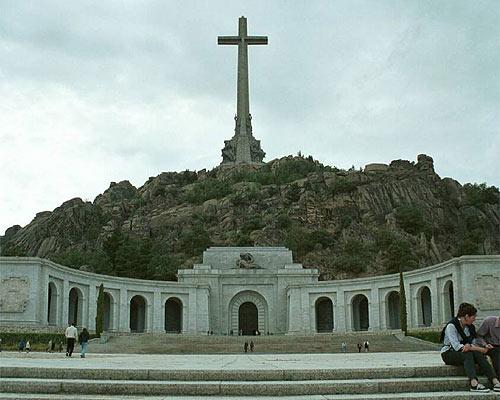 P gina 3 muere juan de valos escultor del valle de los - Tanatorio valdepenas ...
