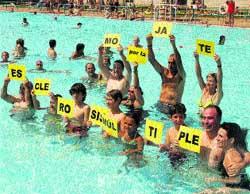 Baño solidario en La Granja