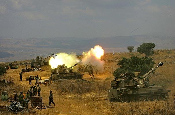 Líbano artillería israelí haciendo fuego