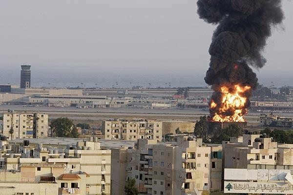 El aeropuerto internacional Rafic Hariri de Beirut, atacado