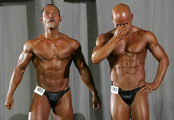 190706 Juegos gay músculos