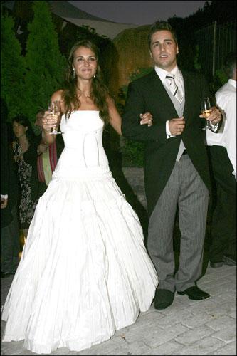 foto: boda bustamante banquete | los dos trajes de novia de la