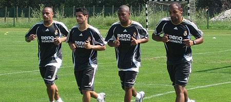Emerson, Cicinho, Robinho y Roberto Carlos