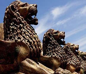 Los leones, todo un símbolo para el festival de cine más antiguo del mundo