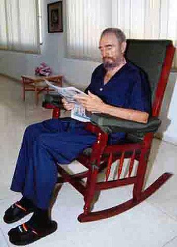 050906 Castro se encuentra bien. 5 de septiembre. Tras perder 19 kilos, Castro afirmaba que el momento más crítico ya pasó,según el diario oficial Granma.