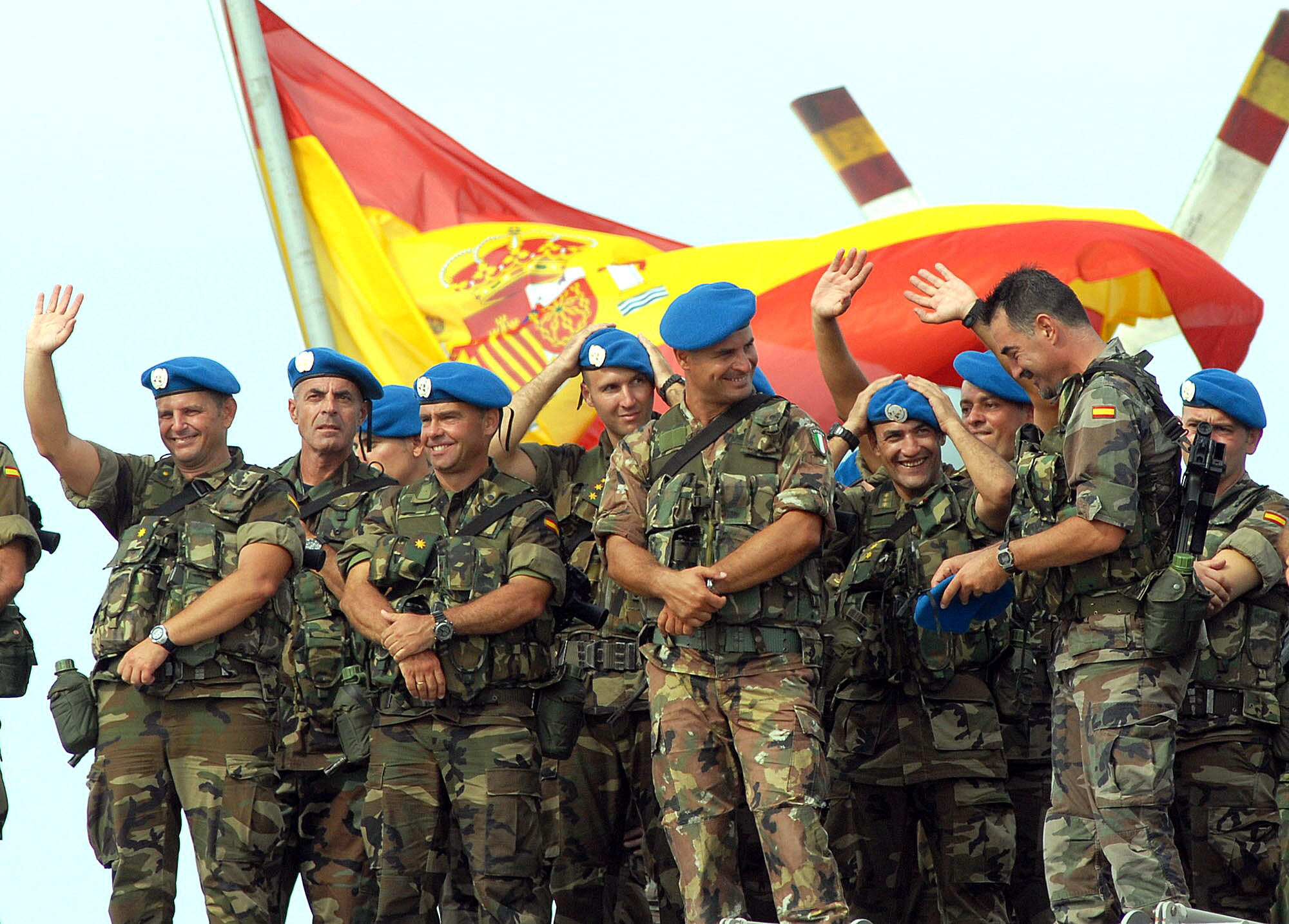 Galería - Zarpan buques españoles rumbo a Líbano